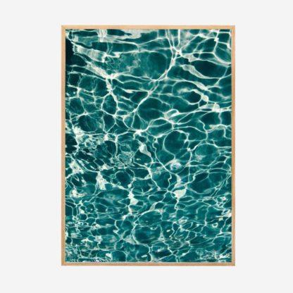 Underwater - Tranh khung kính gỗ sồi treo tường 50x70 cm